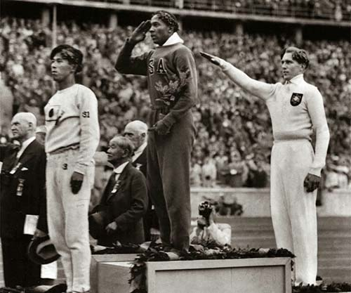 Jesse-Owens-wins-gold-in-Nazi-Germany-1936-small